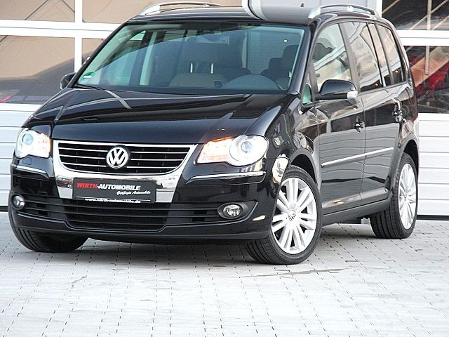 volkswagen touran 2 0 tdi dsg highline navi xenon 7 sitzer wirth automobile. Black Bedroom Furniture Sets. Home Design Ideas