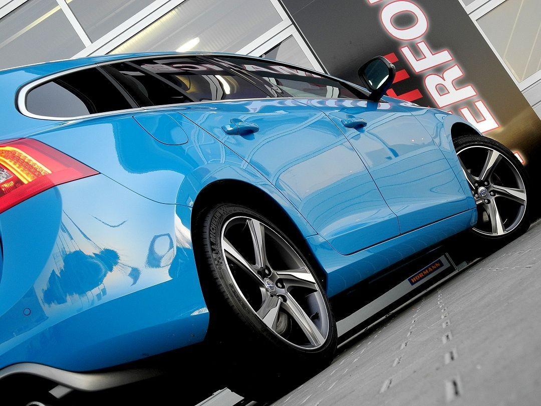 volvo v60 kombi rdesign rebel blue pdc navi xenon